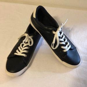 """Old Navy Classic """"Sneake"""" Size 8"""